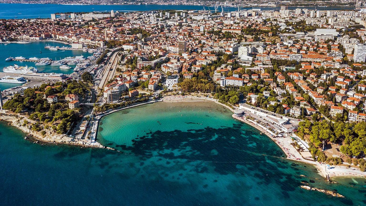 kroatija splitas bacvice papludimys