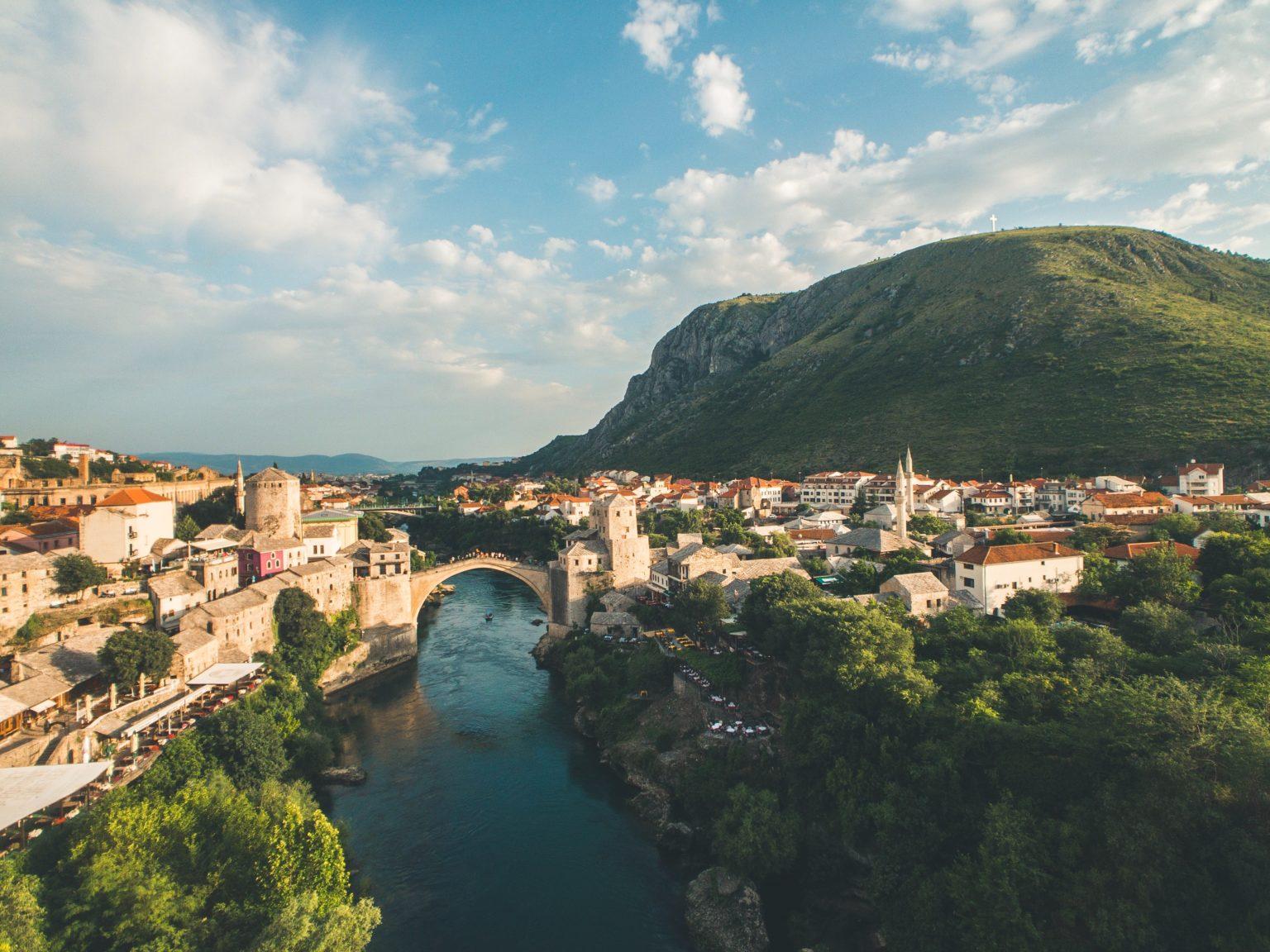 Mostaras prie Neretvos upės